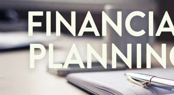 Conductor of the Financial Business Plan: Financial Director